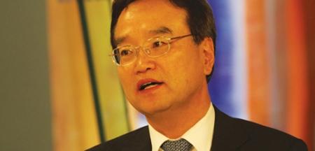 Лим Ду Сон: Солонгос эмч нар 20 гаруй хүнд зүрх судасны хагалгаа хийнэ