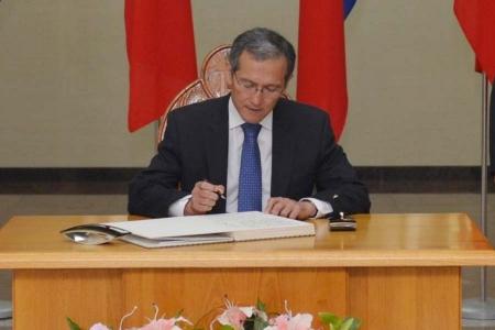Кыргызийн сөрөг хүчин Ерөнхий сайдынхаа айлчлалд шүүмжлэлтэй хандаж байна
