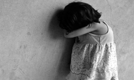 Хүүхдээ хаздаг эцэг суллагджээ