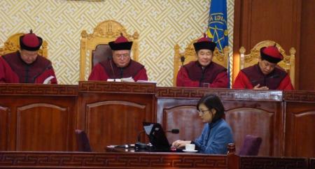 Хоёр аймгийн нутаг дэвсгэрийг нэг шүүхэд харъяалуулсан нь Үндсэн хууль зөрчжээ