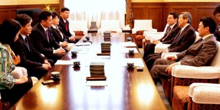 Шадар сайд Японы Парламентын гишүүдтэй уулзлаа