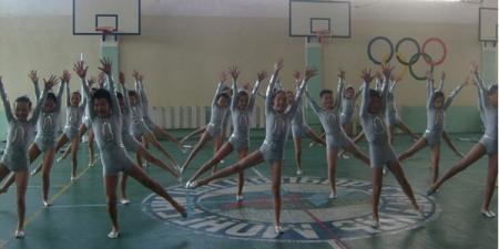 ЕБС-ийн сурагчид уран хөдөлгөөнт гимнастикаар өрсөлдөж байна