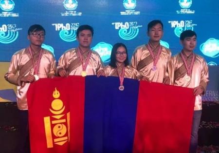 Монгол хүүхдүүд ОУ-ын физикийн олимпиадаас хоёр мөнгө, гурван хүрэл медаль хүртлээ