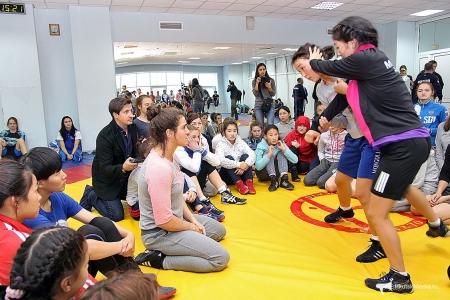 """Олимпийн аварга Н.Воробьева Монгол охидод """"дархан"""" мэхээ заав"""