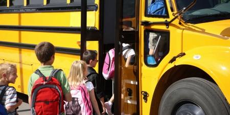 "Түгжрэл ба ""school bus"""