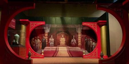 """ФОТО: АНУ-ын Мобыль хотод """"Чингис хаан"""" үзэсгэлэн гарч байна"""