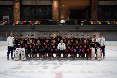 Монголын хоккейчид алтан медаль хүртлээ