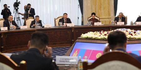 МУ-ын Ерөнхийлөгч Х.Баттулга, БНКУ-ын Ерөнхийлөгч С.Ш.Жээнбеков нар албан ёсны хэлэлцээ хийв