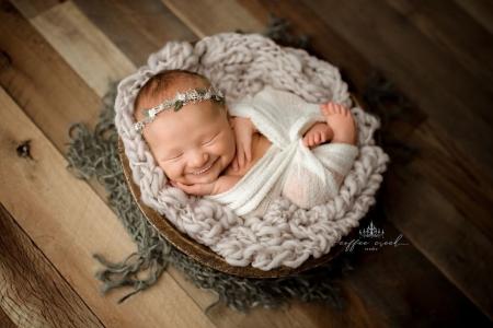 Бяцханууд маань холливуд инээмсэглэлтэй байвал ямар вэ...