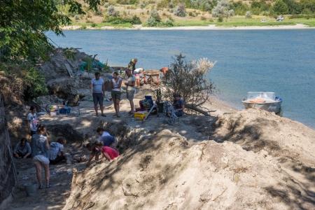Зүүн Европт хийсэн эртний аяга олжээ