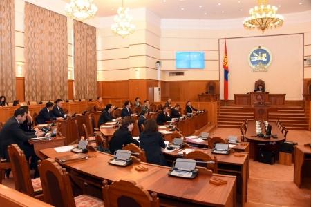 Монголбанкны ерөнхийлөгчөөр Б.Лхагвасүрэнг, СЗХ-ны даргаар Д.Баярсайханыг тус тус томиллоо