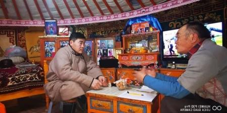 Ч.Мэндсайхан: Нэг уулыг тойрч суурьшчихаад монголчууд нутгархаж, талцаж байгаа нь харамсалтай