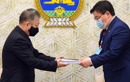 Монгол Улс дахь хүний эрх, эрх чөлөөний байдлын талаарх 19 дэх илтгэлийг өргөн барилаа
