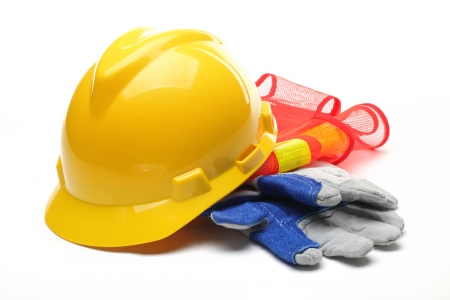 Хөдөлмөр аюулгүй байдал хангаагүйгээс 7 осол гарч, 17 хүн өртжээ