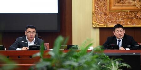 Д.Сумъяабазар: Түгжрэлийн эсрэг төрийн албаныхан манлайлал үзүүлэх хэрэгтэй байна