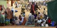 Нигерид 800 мянган хүүхэд орон гэрээ орхижээ