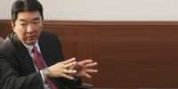 Ч.Хашчулуун: Эдийн засгаа бүрэн дампууруулах, Оюу толгой төслийн санхүүжилтийг үргэлжлүүлэх гэсэн хоёр л гарц байна