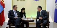 Нийслэлийн Засаг даргын орлогч Н.Батаа Азийн сангийн ерөнхийлөгчийг хүлээн авч уулзлаа