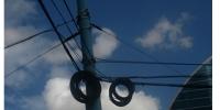 13 гудамжны гэрэлтүүлэг болон троллейбусны шонгоор татсан шилэн кабелийг цэгцэллээ