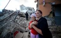Италийн нэг тосгоны тал нь сүйрчээ