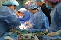 Япон эмч нар зүрхний гажигтай хүүхдүүдэд төлбөргүй хагалгаа хийнэ