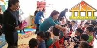 """Үндэсний бүтээн байгуулагч  """"Эко констракшн"""" ХХК  10 мянган хүүхдэд витамин, шар доктор бэлэглэлээ"""