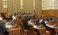 Ерөнхийлөгч чуулганы хуралдаанд оролцож, Зөрчлийн хуультай холбогдуулан үг хэлж байна