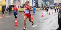 Марафонд гүйхэд хүний биед ямар өөрчлөлт гардаг вэ