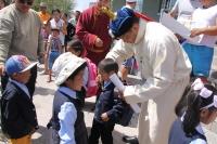 Улсын харцага Н.Золбоо 90 хүүхдэд хичээлийн хэрэгсэл бэлэглэжээ