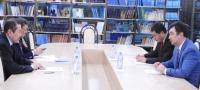 Монголын Элчин сайд эрдэмтэдтэй уулзлаа