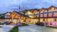Үйлчилгээний соёлыг уландаа гишгэсэн Resort World Terelj Hotel-ынхон