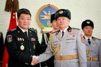 Цагдаа, дотоодын цэргийн алба хаагчдад төрийн дээд одон медаль гардууллаа