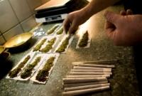 Хар тамхи хадгалж байсан БНСУ-ын иргэнд нэг жилийн хорих ял оноолоо