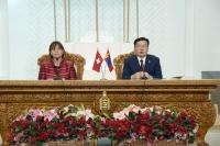 Швейцарын Элчин сайдын яамыг Монголд нээхээр ярилцаж байна гэв