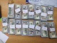 ОХУ-ын иргэний тээшнээс их хэмжээний бэлэн валют илэрчээ