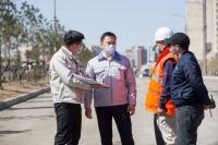 Б.Отгонсүх: Тасганы овооноос Эх нялхсын уулзвар хүртэлх замын суурь асфальт, бетон хучилтын ажил хийгдэж байна