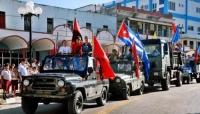 Куба иргэд хоригийг цуцлахыг шаардаж жагсана