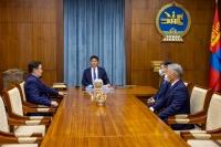 Ерөнхийлөгч У.Хүрэлсүхэд УИХ-ын дарга, Монгол Улсын Ерөнхий сайд нар бараалхав