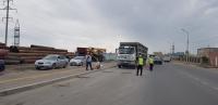 Ачааны автомашины даацыг хэтрүүлэн замын хөдөлгөөнд оролцож байна