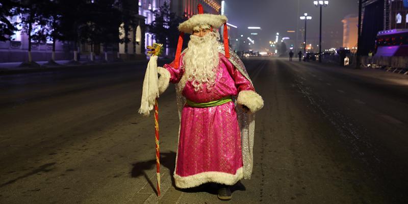 """dddd Фото: """"Улаанбаатарын мөнгөн үдэш"""" Шинэ жилийн баярын цэнгүүн"""